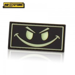 Patch in PVC Evil Smiley Bianco - Nero 6,3x3,3cm Militare Softair con Velcrogrip
