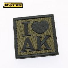 "Patch Ricamata ""I Love AK47"" con Velcrogrip dimensione 6 x 6 Militare Softair OD"
