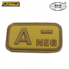 Patch in PVC A- MFH Beige/Tan 5 x 2,5cm Militare Softair Soccorso con Velcrogrip