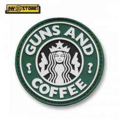 Patch in PVC Guns and Coffee OD Diametro 6,5 cm Militare Softair con Velcrogrip