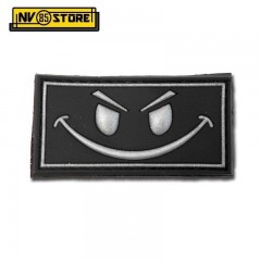 Patch in PVC Evil Smiley Nero BK 5 x 2,7 cm Militare softair con Velcrogrip